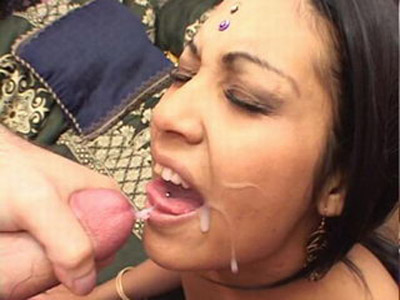 Cfig 008. Indian amateur giving her man a cock sucking and get cumshot load