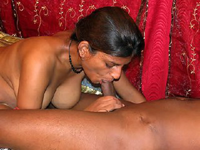 Cfig 015. Indian girl khushi suc her boyfried big cock