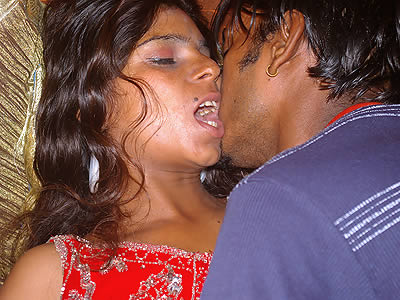 Cfig 025. Indian girl with her boyfriend moaning in real delight