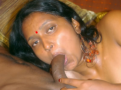 Cfig 027. Mature indian hustler giving her man a blowjob